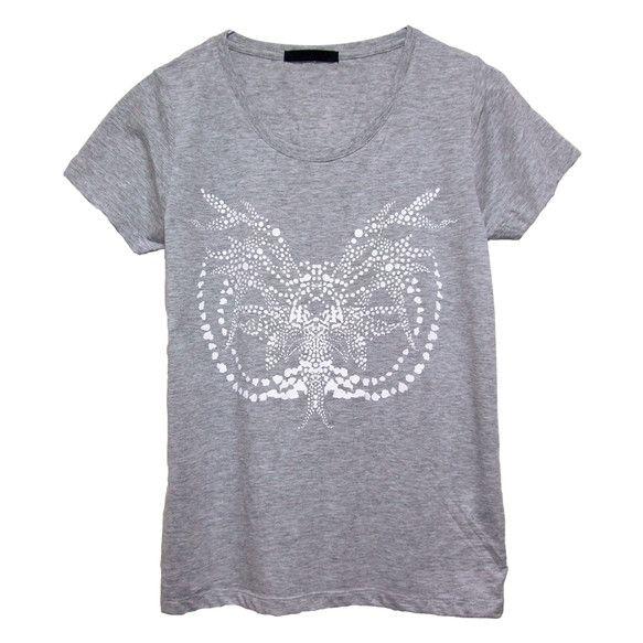 Moth スリムTシャツ/ユニセックス(¥4,200)◆再生をテーマに、チョウ目の妖艶な雰囲気をアボリジニアートに用いられるドット・ペインティングにて表現しま...|ハンドメイド、手作り、手仕事品の通販・販売・購入ならCreema。