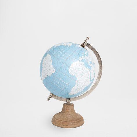 Les 25 meilleures id es de la cat gorie globe terrestre - Globe terrestre en bois ...