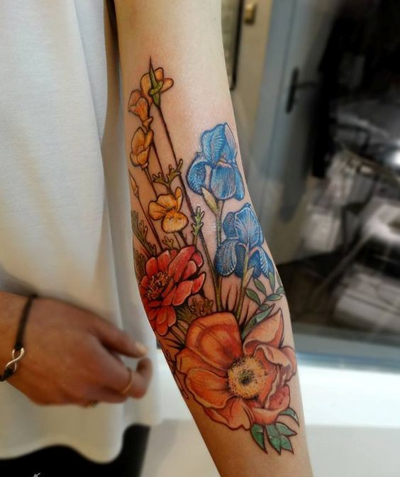 30 super bold floral arm tattoo - Styleoholic