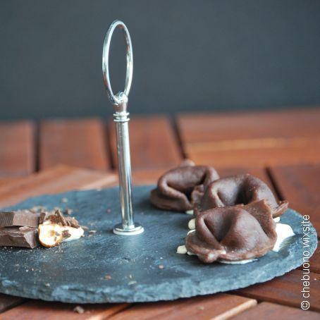 Tortelli al cioccolato con ricotta e caramello salato