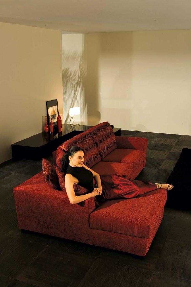 Il divano Project comfort by Samoa.  #red #rosso #divani #furniture #pelle #leather #arredamento #design #love #home