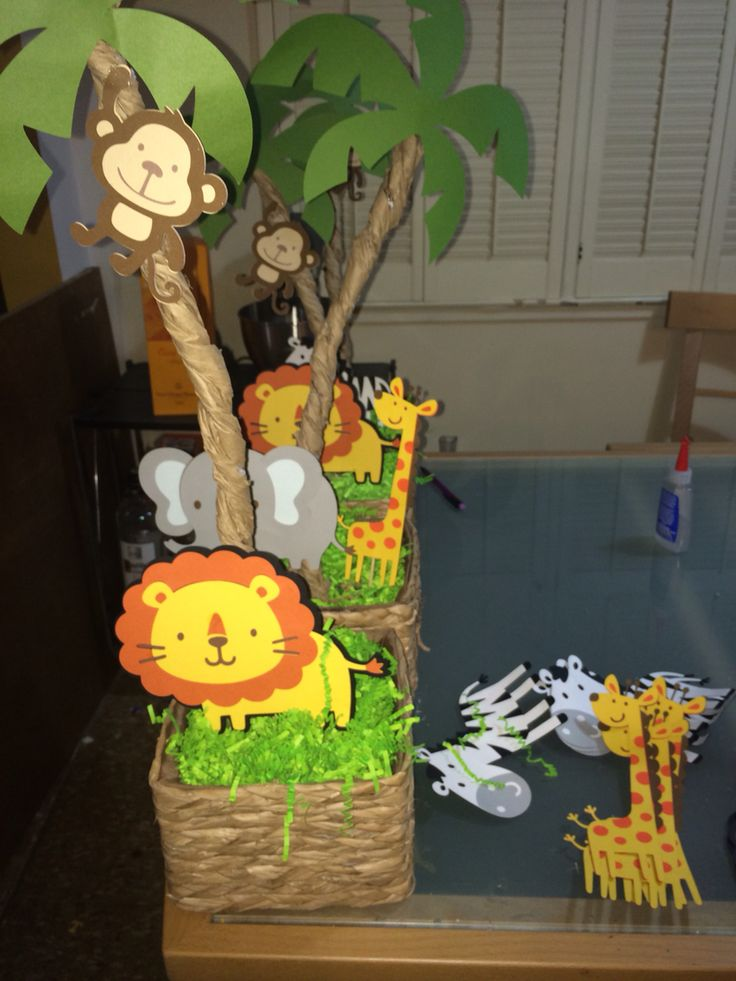 Jungle safari Centerpieces #DIY #JungleSafariBirthday #TrendyMomEvents
