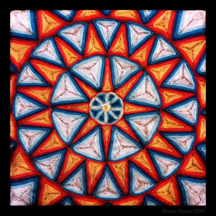 Mandala Febrero 2015 Hilos sobre cera y madera.
