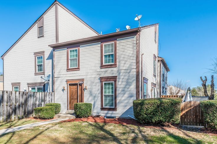 Kimberly Pourkhomami of RE/MAX® Realty Plus just listed 9282 Broadwater Drive Gaithersburg MD 20879 Beautiful Well Kept Town Home. Close To Everything! Something For Everyone. .. Schools, Library, Shopping, Dining, Parks. Easy Commute North Or South. Space For Den/Office In Lower Level, Full Bath And A Family Room. Brick Patio With Fenced Yard Off Dining Room. 3 Finished Levels, Separate Laundry Room. MC10176012