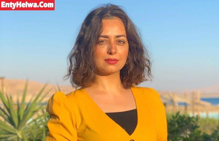 هبة مجدي بـ الأصفر في أحدث جلسة تصوير