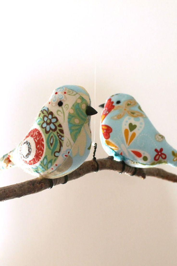 Bird Mobile Decoration - Birds Hanging Twig - Unique New Home/Baby Gift. £20.00, via Etsy. Más