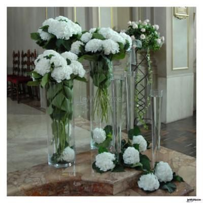Fiori e allestimenti per un matrimonio in #bianco