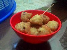 Resep Bola-bola Nasi Keju favorit. Tiap hari harus menciptakan variasi makanan untuk si kecil biar ga bosen alhamdulillah anak selalu suka