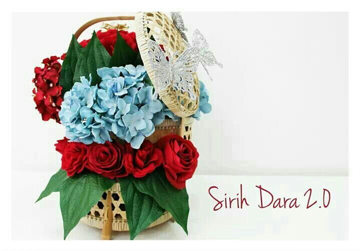 The first mock-up for this design. Tingkat-styled Sireh Dara.