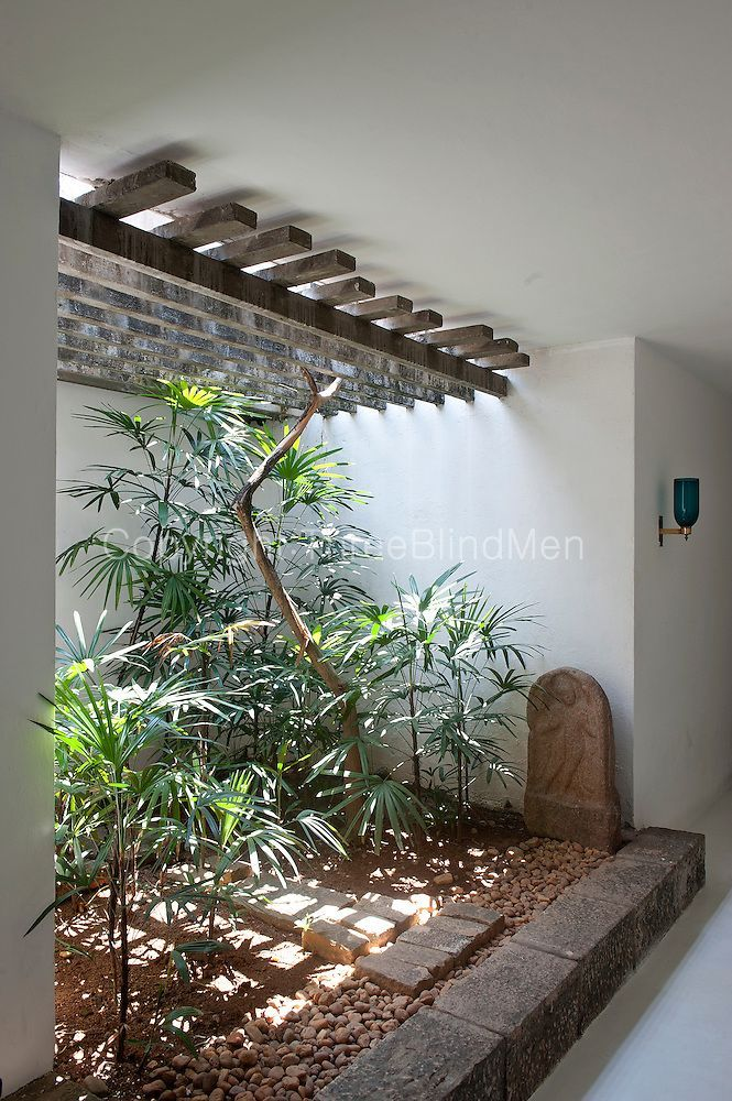 Sri Lanka Geoffrey Bawa S Colombo Home At 33rd Lane Threeblindmen Photography Archive Interior Garden Patio Interior Indoor Gardens