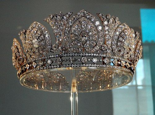The Duchess of Devonshire Tiara...they say its too heavy to wear for long periods of time/ WELL it is solid Diamonds