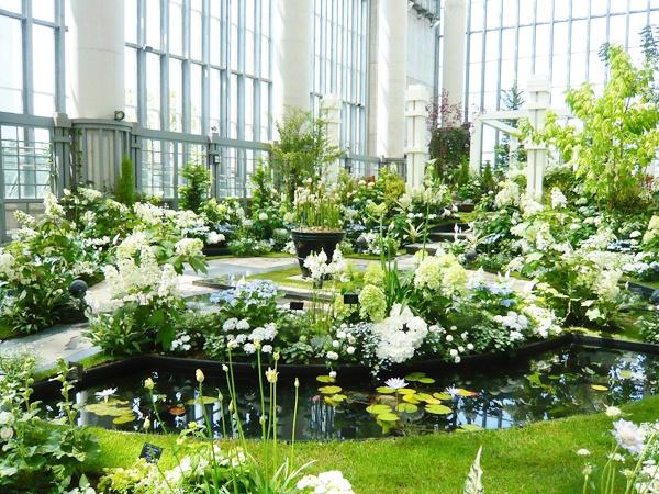 落ち着いた和の「涼の庭」  【ホワイトガーデンショー2012  -食虫植物の華麗な庭-】7月13日(金)まで!