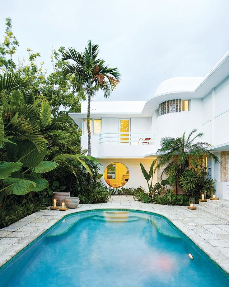 Toronto-based furniture brand Avenue Road, Stephan Weishaup purchased an art deco villa in Miami. This  retro pad comes with marble tile pool deck, curved railings, a large porthole window and glass block. Pool and marble interiors included!