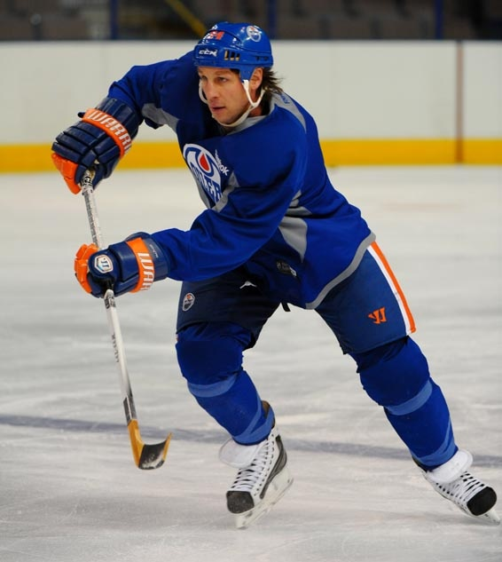 Ryan Smyth at an Oilers practice