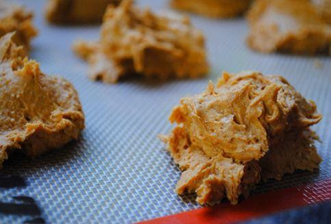 2 ingredient pumpkin spice cookies!