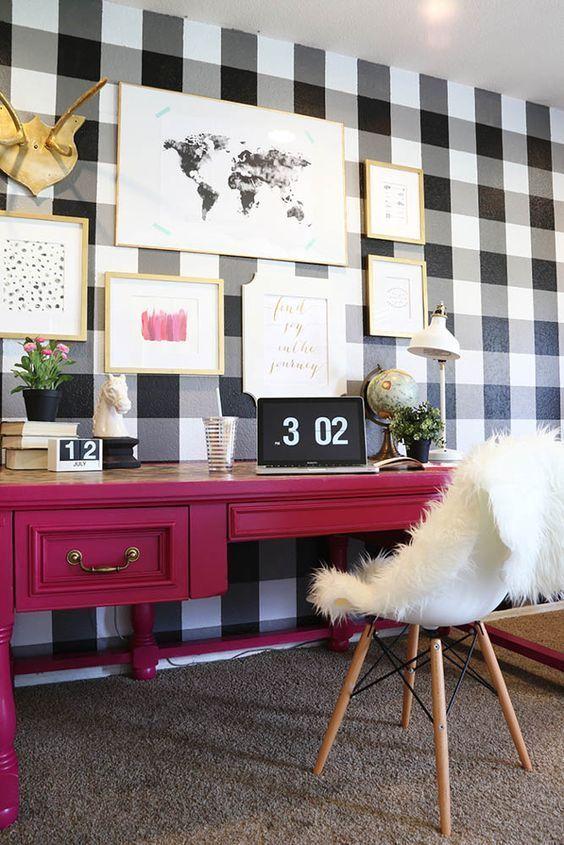 Buffalo plaid walls + pink desk = pretty office