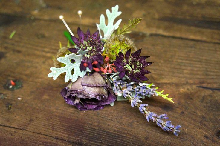#greenroomflowers #buttonhole #aubergineflowers #weddingflowers @gr_room