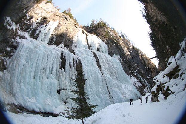 Ice Climbing / Arrampicata su Ghiaccio Serrai di Sottoguda - Marmolada Area #dolomitistars