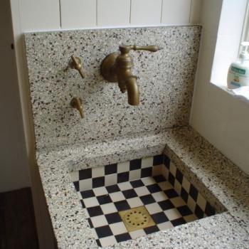 25 beste idee n over oude wastafel op pinterest oude badkamers - Ouderwetse badkamer ...