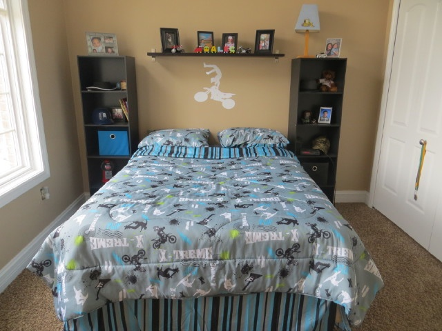 Boys teen dirt bike bedroom bedding bedroom for Dirt bike bedroom ideas