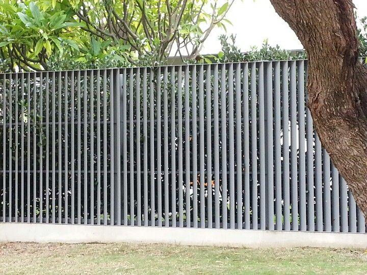 Angled slat fence Płot