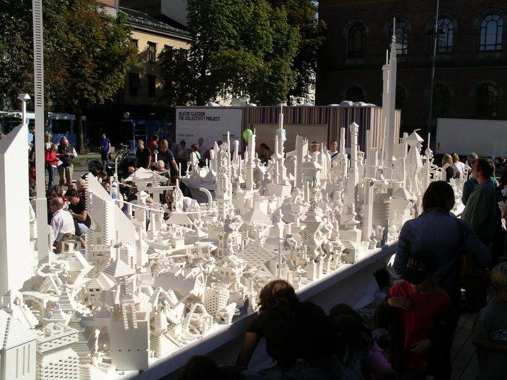 In New York bouwen mensen samen aan een enorme droomstad van LEGO | The Creators Project