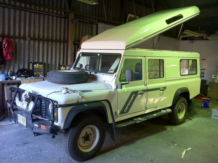 Land Rover Defender 130 Station Wagon