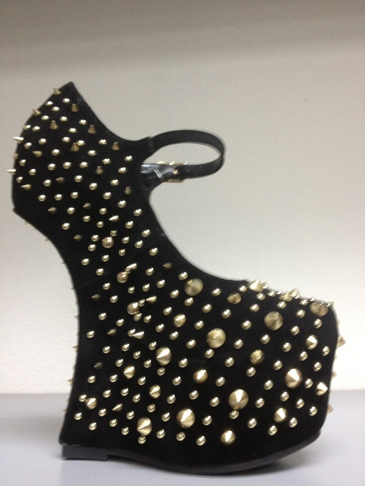 Gold Studs     Finished with smooth detailing