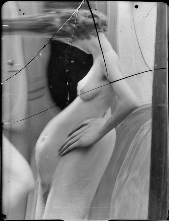 André Kertész- Distortion # 57 , 1933 ( scan André Kertész, Distorsions…