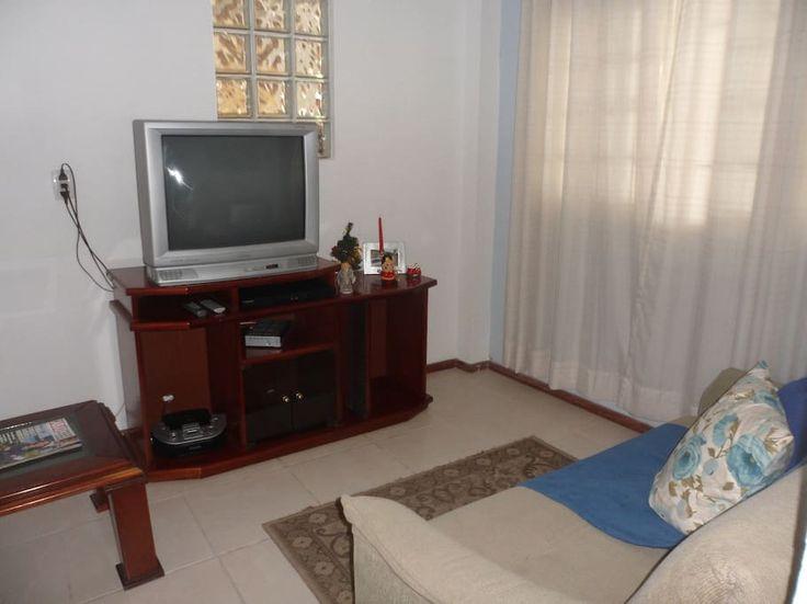 Ganhe uma noite no Casa  praia Armação- FLORIPA - Casas para Alugar em Florianópolis: aluguel armação florianópolis no Airbnb!