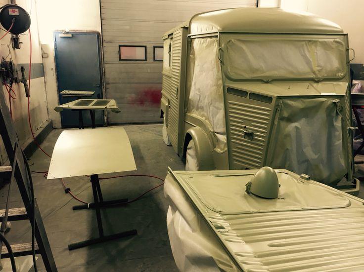 Base paint. Citroen HY food truck.