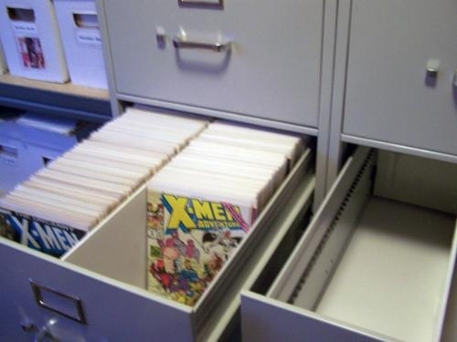17 best images about comic storage on pinterest comic book collection ikea hacks and shorts. Black Bedroom Furniture Sets. Home Design Ideas