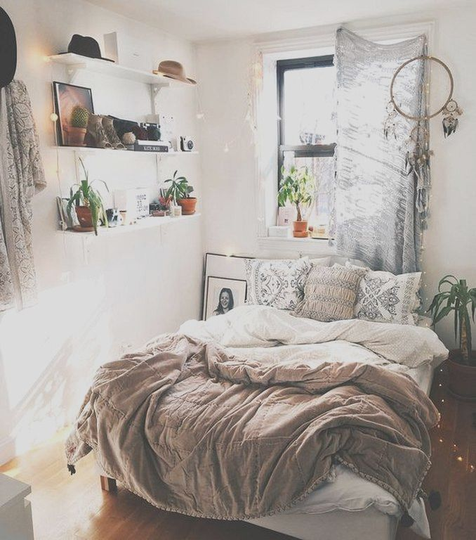 21 Eclectic Minimalist Decorating Ideas For Your Bedroom Cozy Small Bedrooms Cozy Small Bedroom Decor Simple Bedroom Design Minimalist cozy bedroom ideas