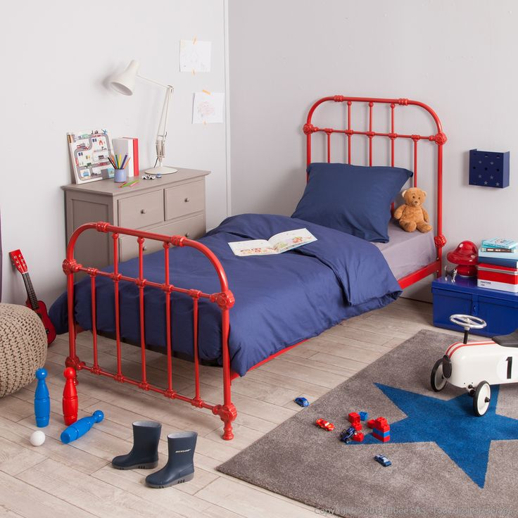 les 25 meilleures id es de la cat gorie lit enfant solde. Black Bedroom Furniture Sets. Home Design Ideas