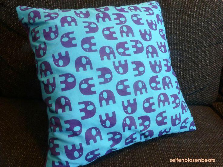 25 einzigartige elefanten kissen ideen auf pinterest elefantenkissen elefant n hen und. Black Bedroom Furniture Sets. Home Design Ideas