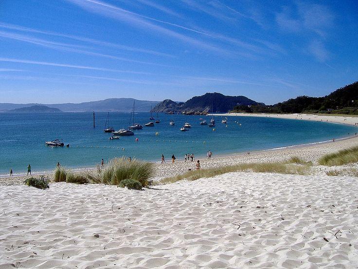 Cómo ir en barco a las Islas Cíes (Foto de Tunante80) http://bluscus.es/blog/como-ir-en-barco-a-las-islas-cies/