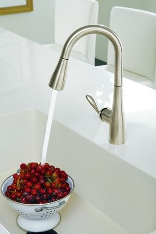 Moen Single Separate Handle Pullout Spray Kitchen Faucet