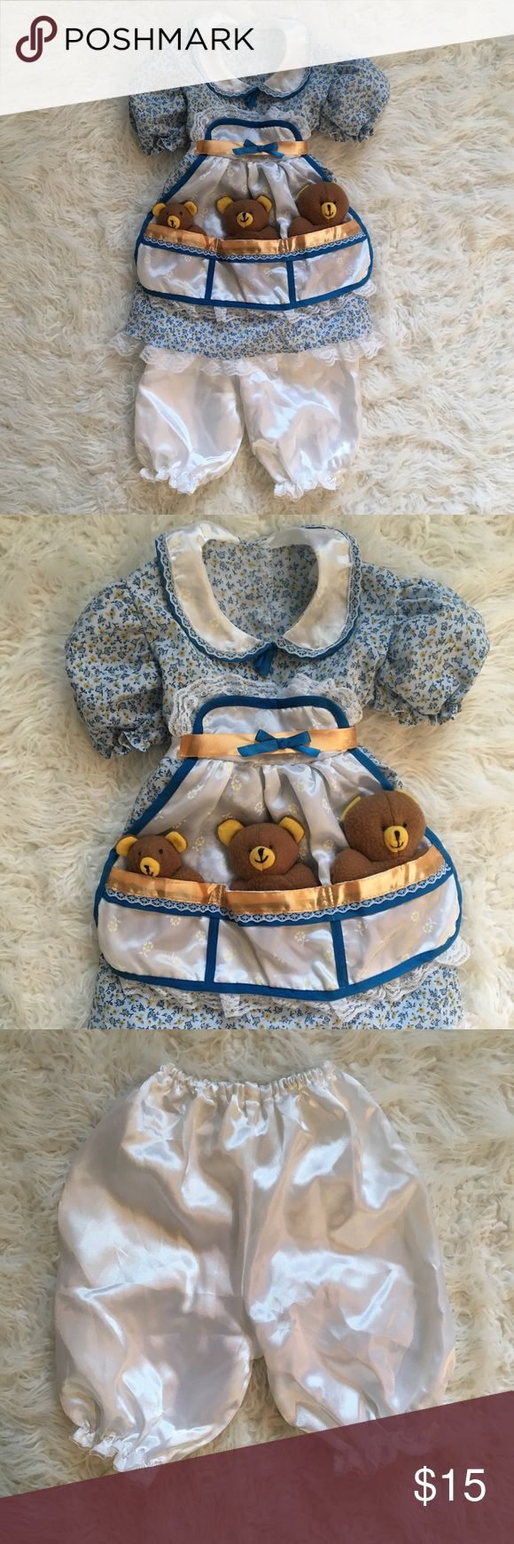 "Child's Goldilocks Costume Used, in very good condition! Makes such a sweet Halloween costume! Tag says size ""toddler"". I'd say this fits approximately 18 months - 2T. Costumes Halloween"
