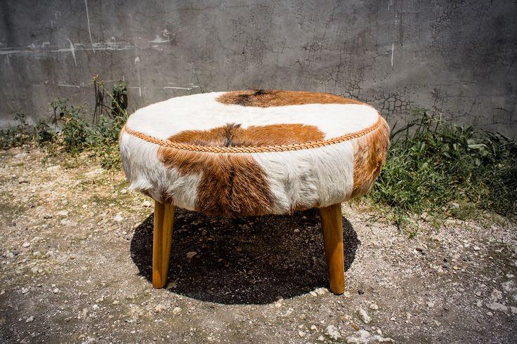 les 25 meilleures id es de la cat gorie meubles en peau de. Black Bedroom Furniture Sets. Home Design Ideas