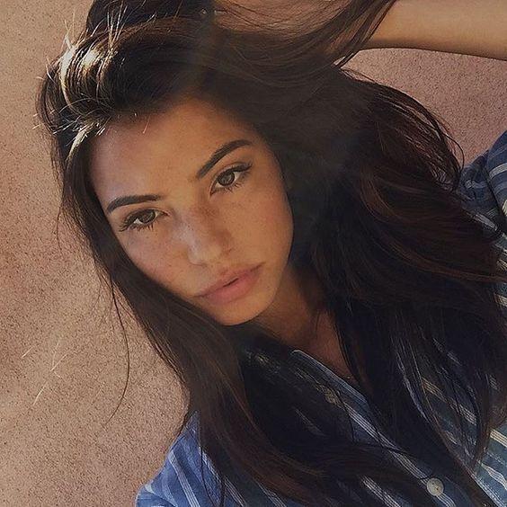brünett + schulterlanges Haar / #Fashion #Beauty #Frisuren #makeup