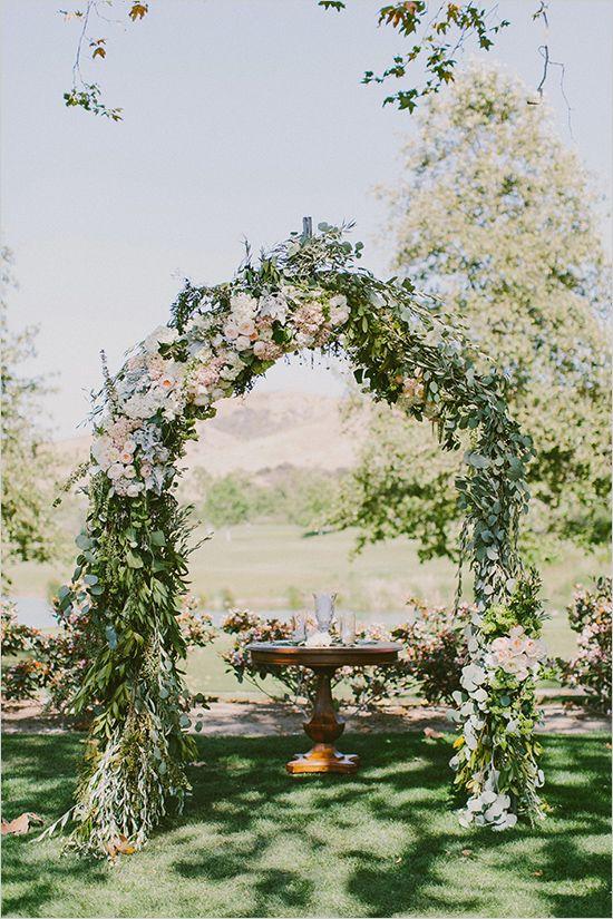 Arroyo Trabuco Golf Club //  floral wedding ceremony arch @weddingchicks