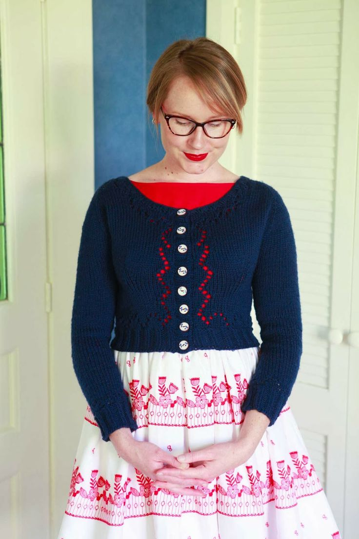 Knitting - Victorious Miette in Navy {via Jennifer Lauren Vintage}