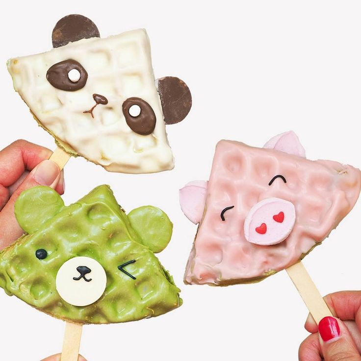 "1,293 Likes, 34 Comments - Vickie Liu (@msvickieliu) on Instagram: ""Waffle pops! Which one is your pick?"""