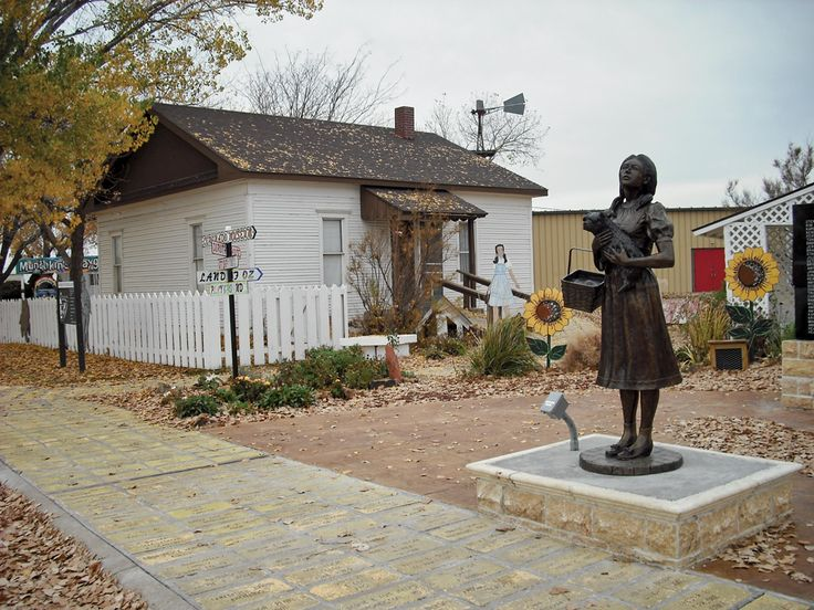 (Yes it is for real ) Dorothy's House and the Land of Oz in Liberal, Kansas