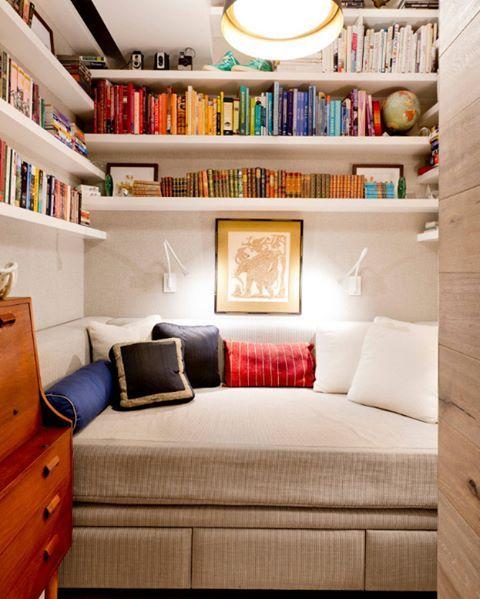 Siz de aynı şeyi düşünüyor musunuz? Şimdi burada oturmak ve en sevdiğin romanı okumak vardı değil mi?  #dekorasyon