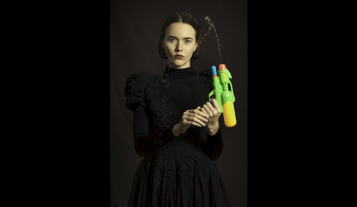 Classic portraits with a modern twist | Romina Ressia