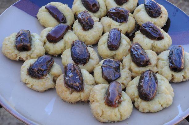 Albanian Date Cookies