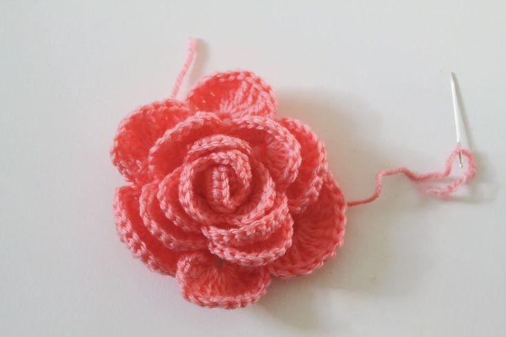 Crochet Rose Pattern Tutorial 19 by Anne Butera