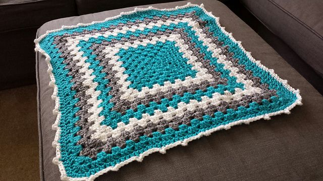 Ravelry: natsmiles13's Granny Square Baby Blanket