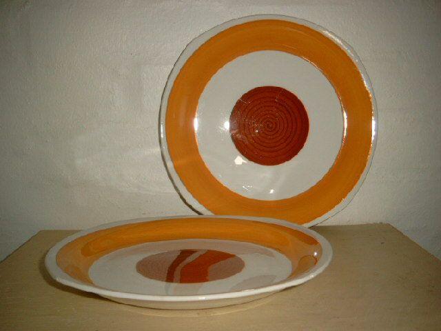 """GEFLE """"Stina"""" 1960s. #trendyenser #gefle #stina #swedishdesign #svenskdesign #retro #dinnerware #plates #tallerkener. From www.TRENDYenser.com. SOLGT/SOLD."""
